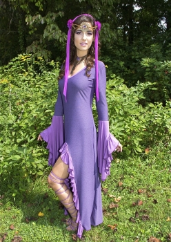 Woman in Fae Elven Rennaissance outfit by Accentuates Clothing